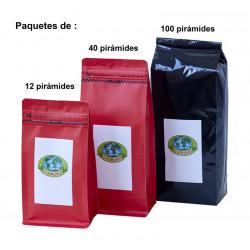 Pirámides Té verde fuera líquidos en bolsa